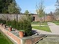 Hampton Court Gardens - panoramio - PJMarriott.jpg