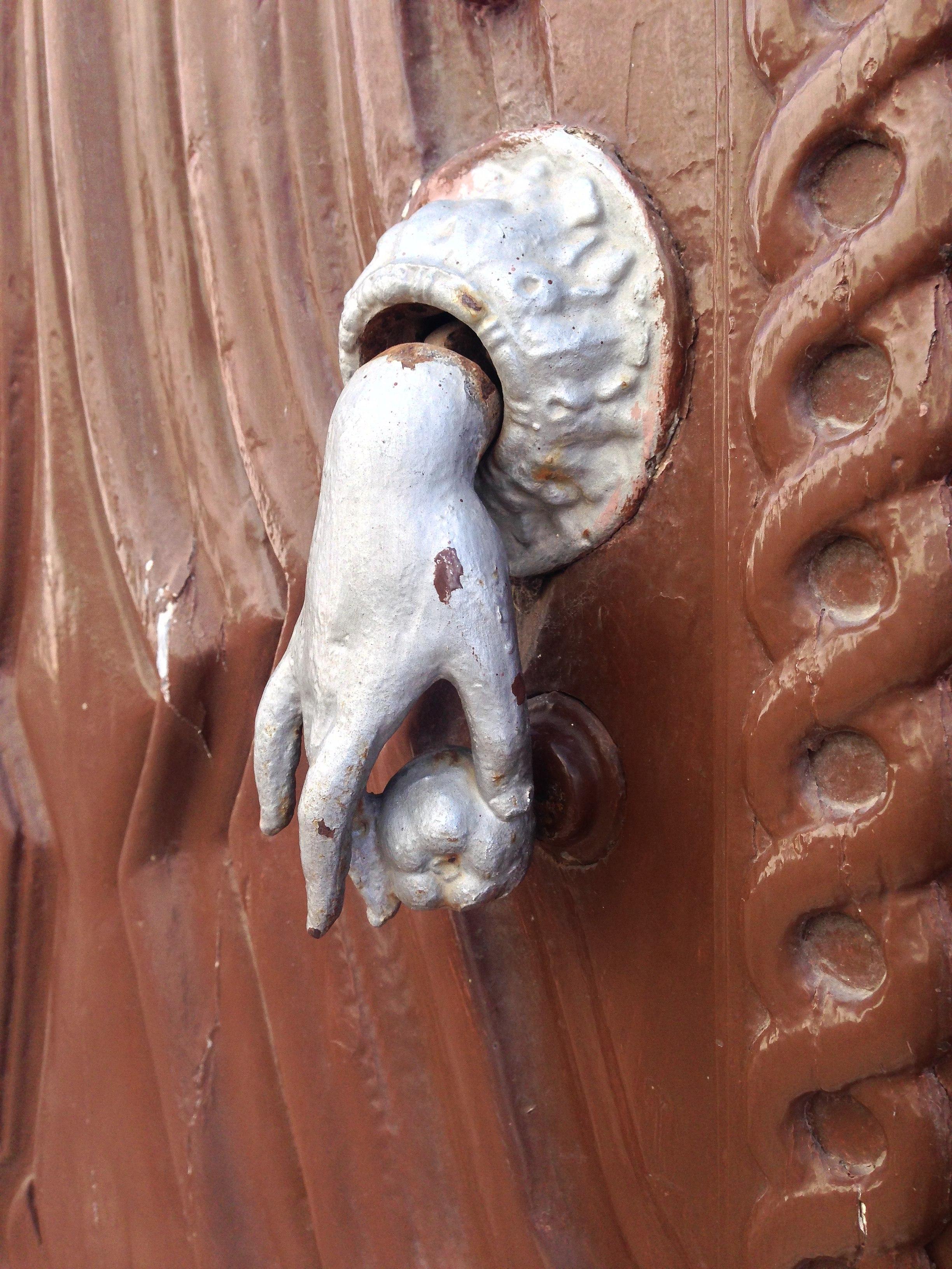 File:Hand Door Knocker, Tavira, Portugal (14605948772)
