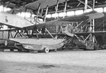 Hangar van het MVK Veere, met links op de foto een Friedrichshafen en achterin een Gotha WD-II.jpg