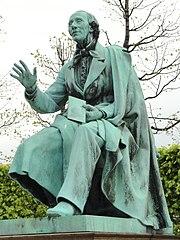 Hans Christian Andersen statue in Kongens Have - Copenhagen - DSC07861