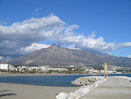 Harbor in Puerto Banus, Costa del Sol, Spain, Dec 2004 3.jpg