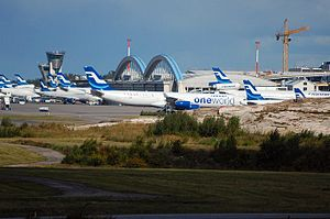 English: Finnair planes at Helsinki-Vantaa air...