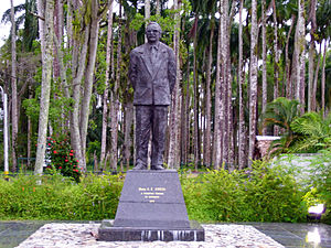 Henck Arron - Statue of Arron in Paramaribo.