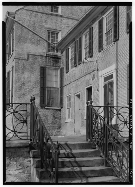 File:Historic American Buildings Survey W. S. Stewart, Photographer Oct. 13, 1936 DETAIL OF EAST WING - Old New Castle Courthouse, Delaware Street, New Castle, New Castle County, DE HABS DEL,2-NEWCA,1-12.tif