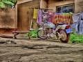 Hof mit Motorrad B002.png