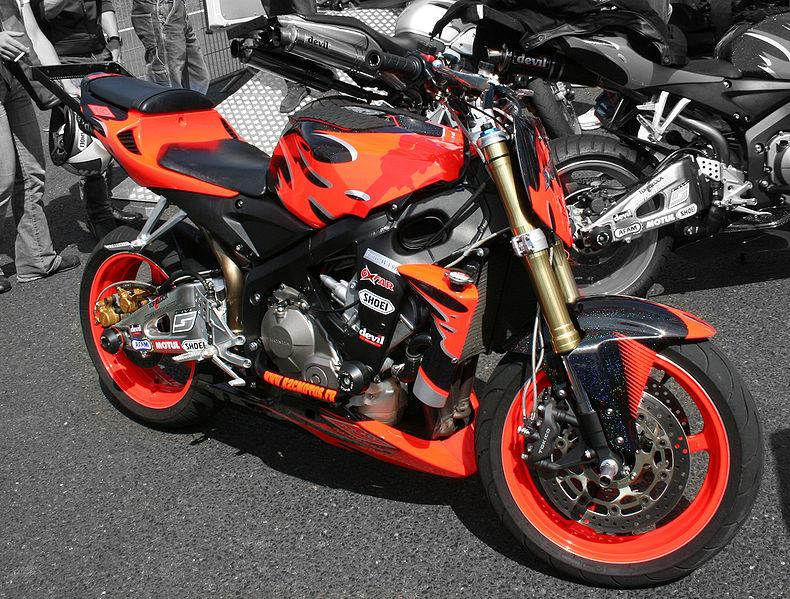 Fitxer:Honda stunt bike.jpg
