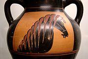 Horse-head amphora Staatliche Antikensammlungen 1362 side A.jpg