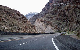 Interstate 15 in Arizona - I-15 seen towards north in the Virgin River Gorge