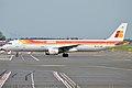 Iberia, EC-JDM, Airbus A321-211 (15833625664).jpg