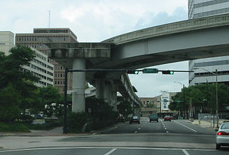 Jacksonville Skyway - Skyway track curve between Central and Hemming Park stations at Hogan Street