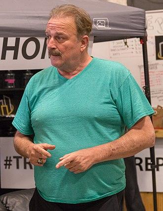 Jake Roberts - Roberts talking at a wrestling seminar in 2016