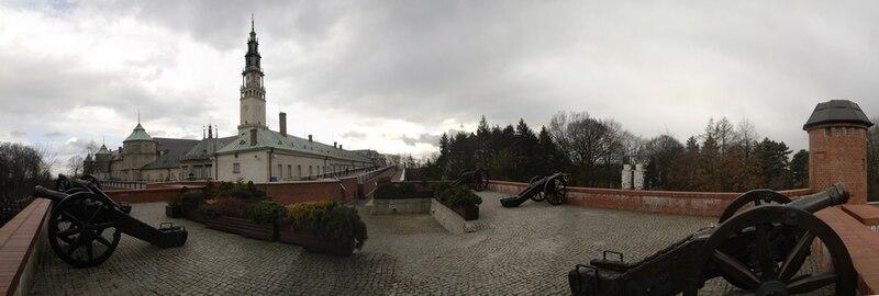 Plik:Jasna Góra - panorama z Bastionu św. Rocha.jpg