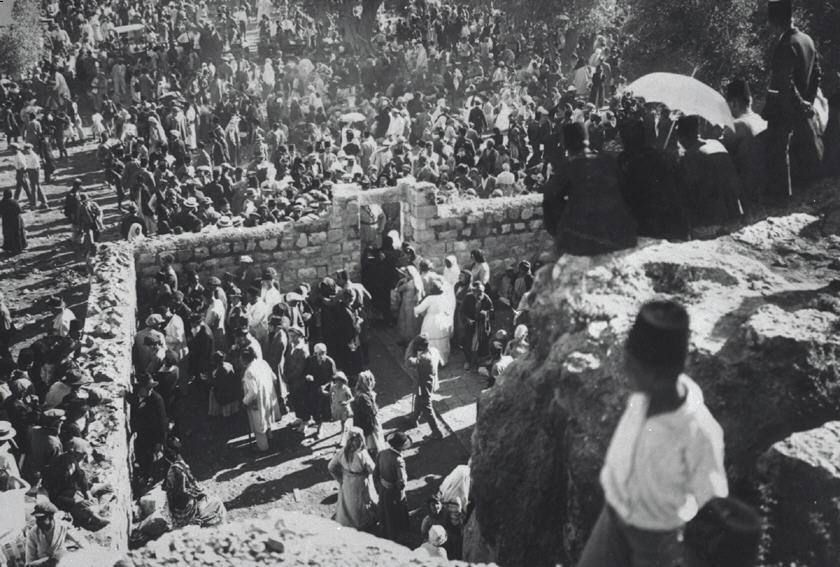 Jews throng to the tomb of Simeon the Just, 1927