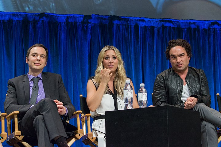 Jim Parsons, Kaley Cuoco and Johnny Galecki at PaleyFest 2013.jpg
