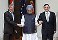 Jose Manuel Barroso and the Prime Minister of the Republic of Portugal, Mr. Jose Socrates are meeting with the Prime Minister, Dr. Manmohan Singh, in New Delhi on November 30, 2007.jpg