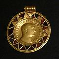 KHM Wien 32.469 - Maximianus medal, 293-94 AD.jpg