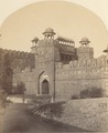 KITLV 100508 - Unknown - Lahore Gate of the Red Fort, a palace at Delhi in British India - Around 1870.tif