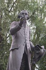 La statue de Kant à Kaliningrad.
