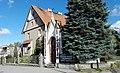 Kapliczka przydrożna z ok. 1860 r. przy ul. Wiejskiej, 2018.10.24 (02).jpg