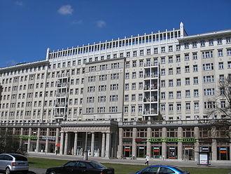 East Berlin - Image: Karl Marx Allee Block C Nord Berlin April 2006 060