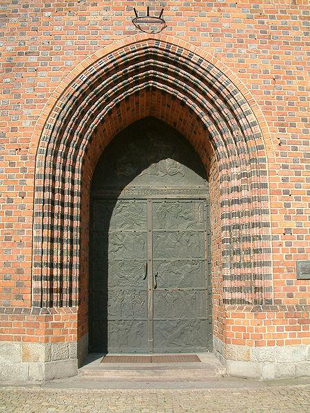 Polskie katedry gotyckie l 39 art for Portal w architekturze