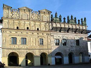 Die beiden berühmtesten Bürgerhäuser in Kazimierz Dolny: Zum Heiligen Nikolaus und Zum Heiligen Christophorus