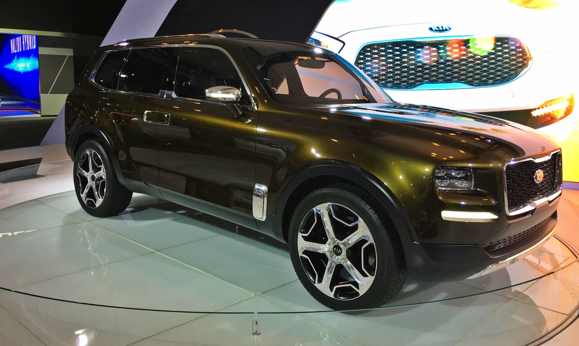 Gibbs Aquada Prix Et Fiche Technique in addition Kia Telluride likewise Q3 also Flying Car Design Finalized Arrive 2019 as well Royal Dutch Shell Lower Oil Prices. on electric fuel