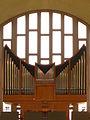 Kirche St. Gallus Zürich Orgel mit Fenster.jpg