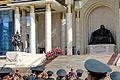 Kompania honorowa na schodach parlamentu podczas święta Naadam w Ułan Bator 02.JPG
