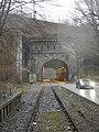 Kruiner Tunnel, nach Durchfahrt eines Zuges von SO.jpg