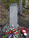 Kuroslepy - pomník obětem havárie britského vojenského vrtulníku obr03.jpg