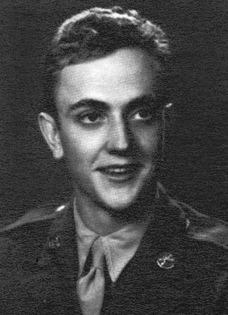 Kurt Vonnegut - Portrait of Vonnegut in U.S. Army uniform between 1943 and 1945