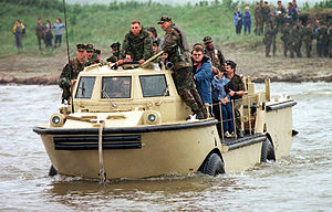 Amphibious vehicle - A LARC-V 5-ton U.S. amphibious cargo vehicle