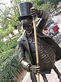 La muerte de Posada, escultura del Jardín de San Marcos (2).JPG