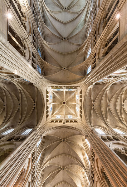 File:Laon Cathedral Vaults 01.JPG