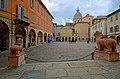 Le guardie della piazza San Prospero.jpg