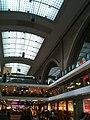 Leipzig, Ladenpassagen in Hauptbahnhof - panoramio (16).jpg