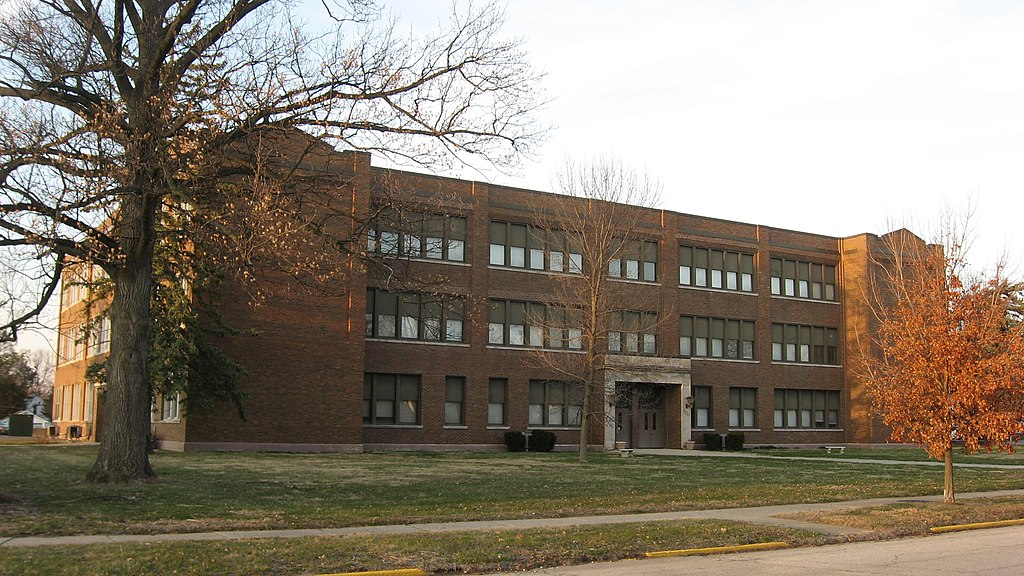 North Park Lincoln >> File:Lincoln Park School in Greenfield, southwestern angle.jpg - Wikimedia Commons