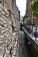 Londinium Roman Wall (25506927647).jpg