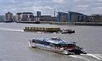 London MMB P7 River Thames.jpg