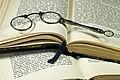 Lorgnette spectacles 02.jpg