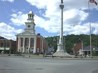 Lewistown, Pennsylvania - Image: Ltownsquare 1