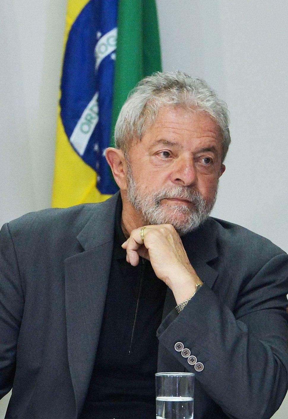 Lula bancada PT Senado Câmara-2015 06 29 (cropped)