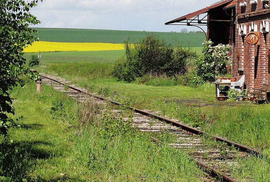 Mézières-sur-Oise (Aisne) ancienne gare, detail