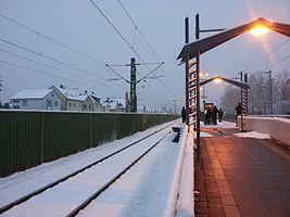 Mühlheim-Dietesheim railway station in winter.jpg