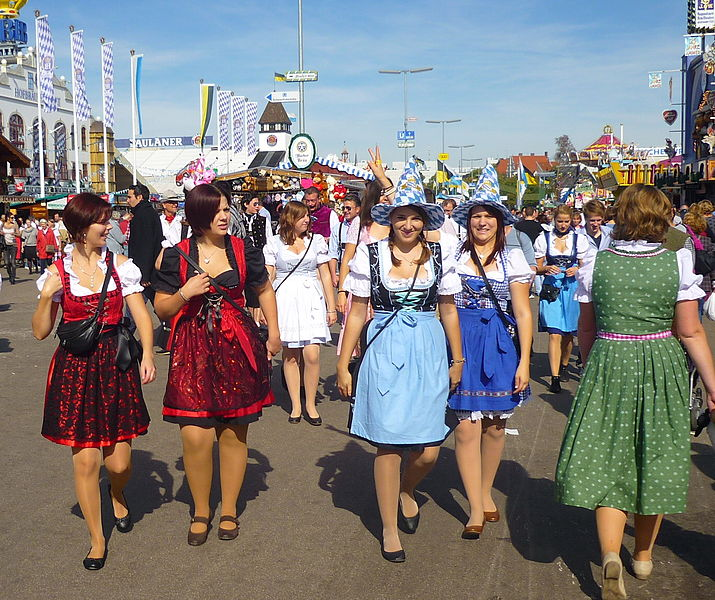 File:München, Oktoberfest 2012 (07).JPG