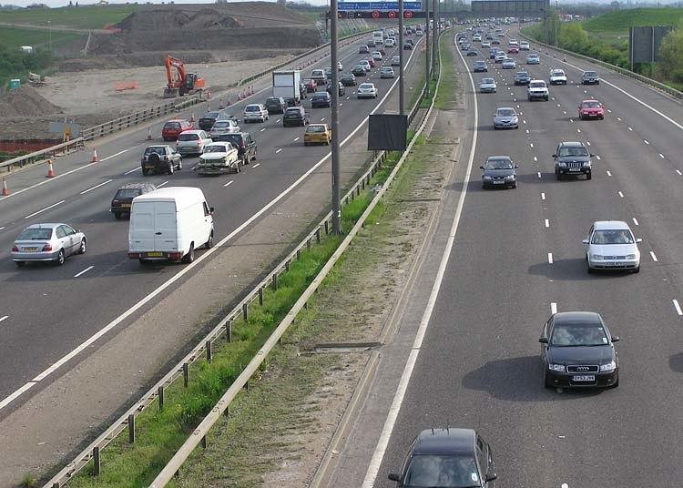 M25 motorway 2004-04-25