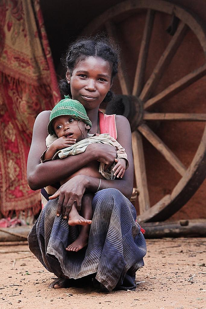 Madagascar woman with child