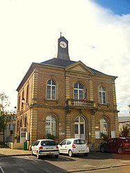 The town hall in Molliens-Dreuil