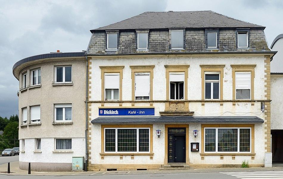 De Kafé - Inn op der Nr. 8 an der rue de l'école zu Mamer.